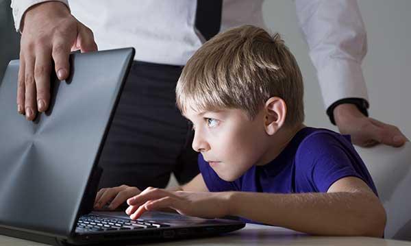 5 τρόποι για να αποτρέψετε τον εθισμό στις κινητές συσκευές για παιδιά ηλικίας 8-13 ετών | CSIi - Cyber Security International Institute