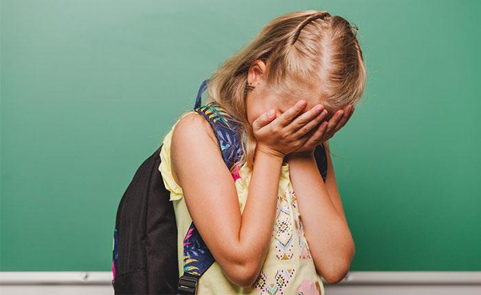 Το παιδί σας αρνείται να πάει σχολείο;  Γιατί συμβαίνει αυτό και τι μπορείτε να κάνετε