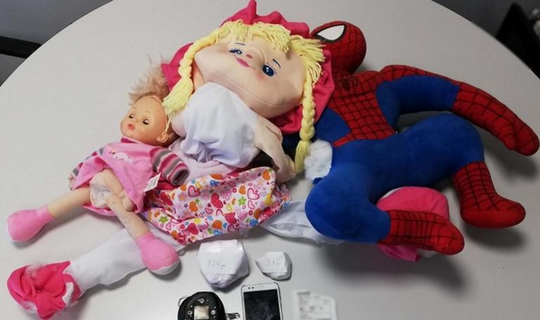 Θεσσαλονίκη: Αυτές είναι οι αυστηρώς ακατάλληλες παιδικές κούκλες. Οι σκοτεινές αλήθειες που έκρυβαν
