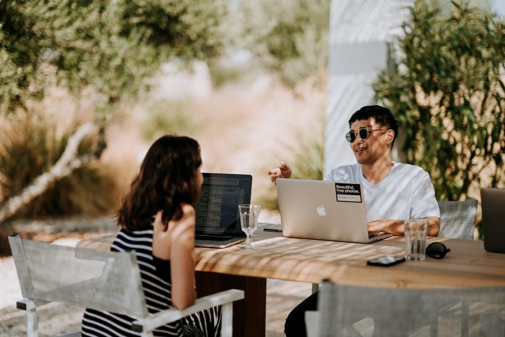Πλέον οι ερωτευμένοι  επικοινωνούν μεταξύ τους μέσω Google Docs