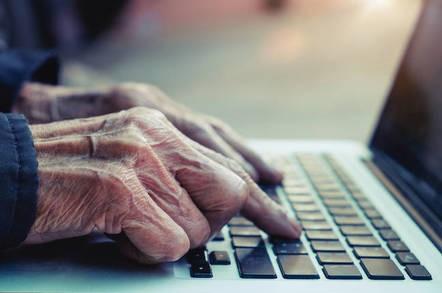 Tα οφέλη του διαδικτύου: Γιατί όλο και περισσότεροι ηλικιωμένοι το χρησιμοποιούν