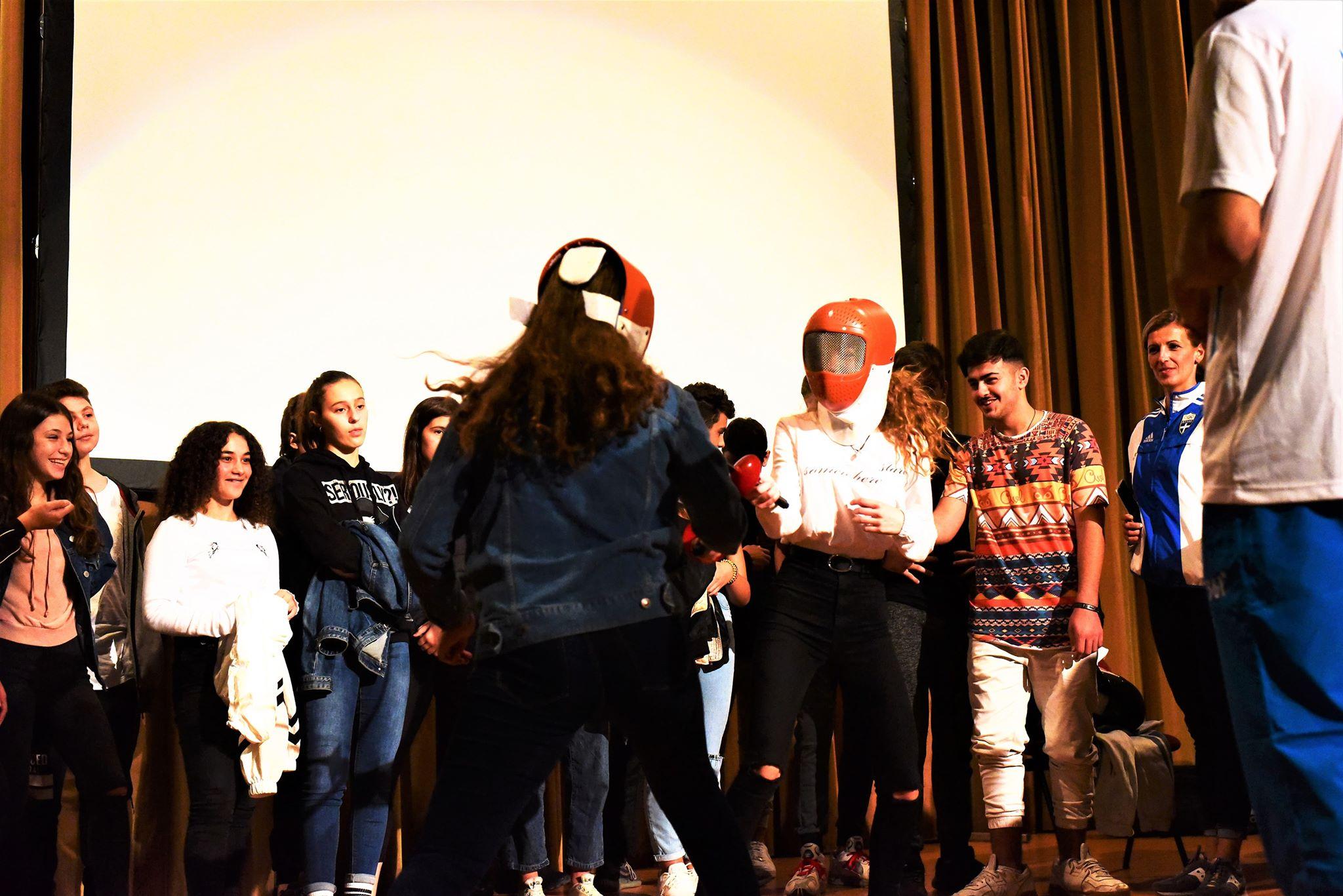 «Όχι στην εξάρτηση, ναι στο διαδίκτυο» είπαν οι μαθητές της Αλεξανδρούπολης