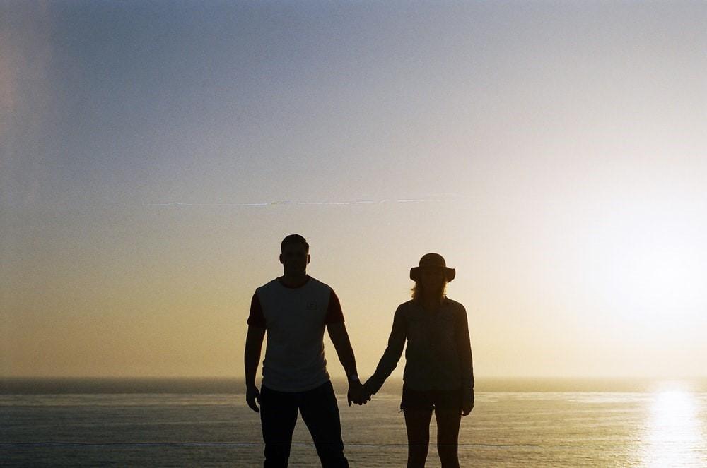 Οι έφηβοι πρέπει να καταλάβουν πού σταματάει η αγάπη και ξεκινούν οι τοξικές σχέσεις