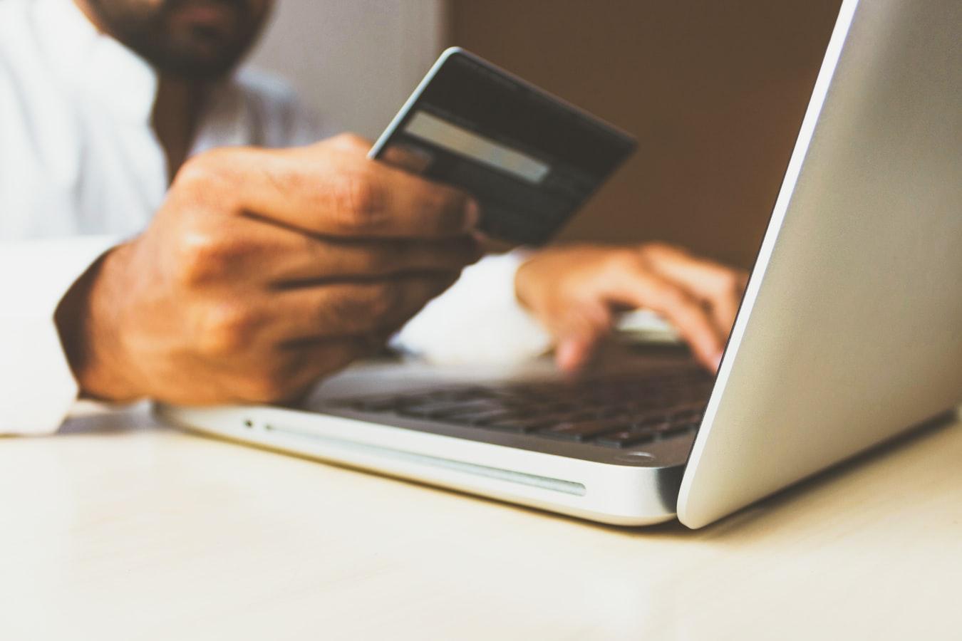 Ο εθισμός στις ηλεκτρονικές αγορές βλάπτει σοβαρά την ψυχική υγεία
