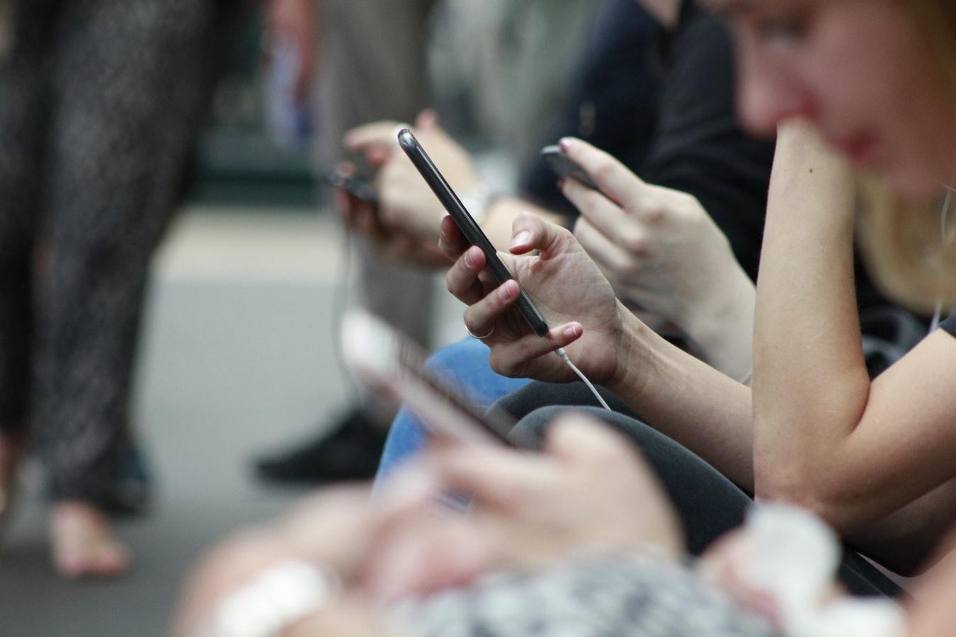 Ο εθισμός στο κινητό, το νέο ναρκωτικό