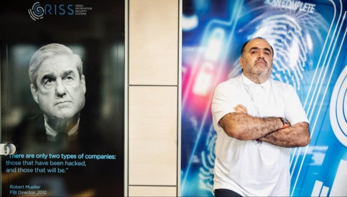 Ο Πρόεδρος του CSIi Μανώλης Σφακιανάκης αναλύει το νέο κρούσμα υποκλοπής πιστωτικών καρτών