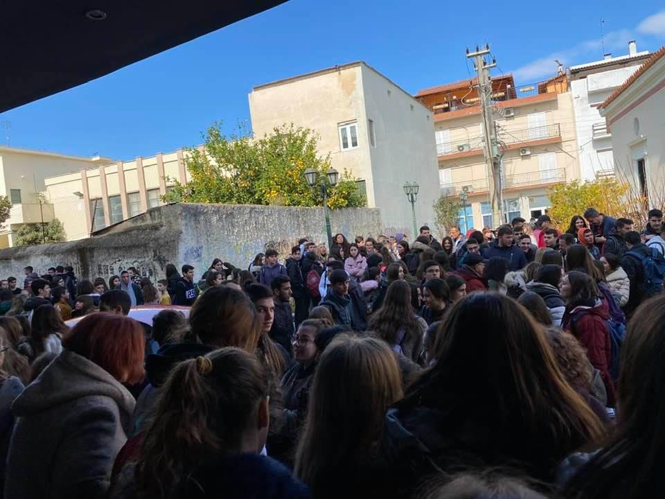 Ναι σε έναν καλύτερο διαδικτυακό κόσμο είπαν οι μαθητές στο Αίγιο