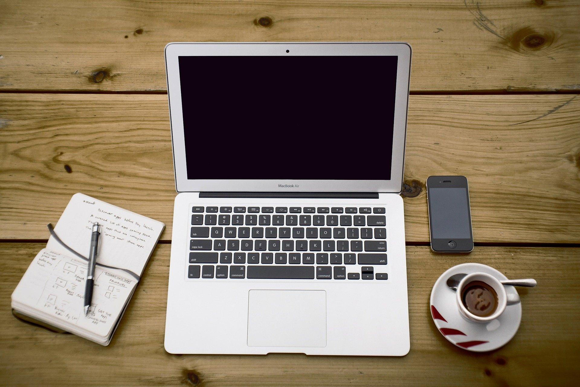 Εργασία εξ αποστάσεως (από το σπίτι): Κίνδυνοι και πώς να τους αποφύγετε