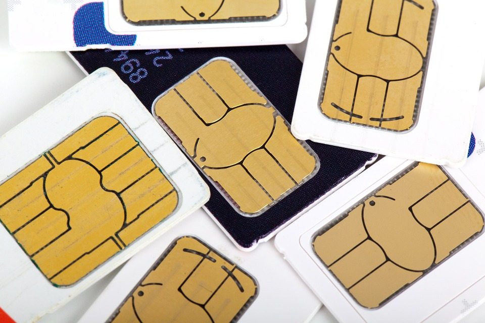 SIM swapping: Πόσο πραγματικά κινδυνεύετε και πρέπει να κάνετε