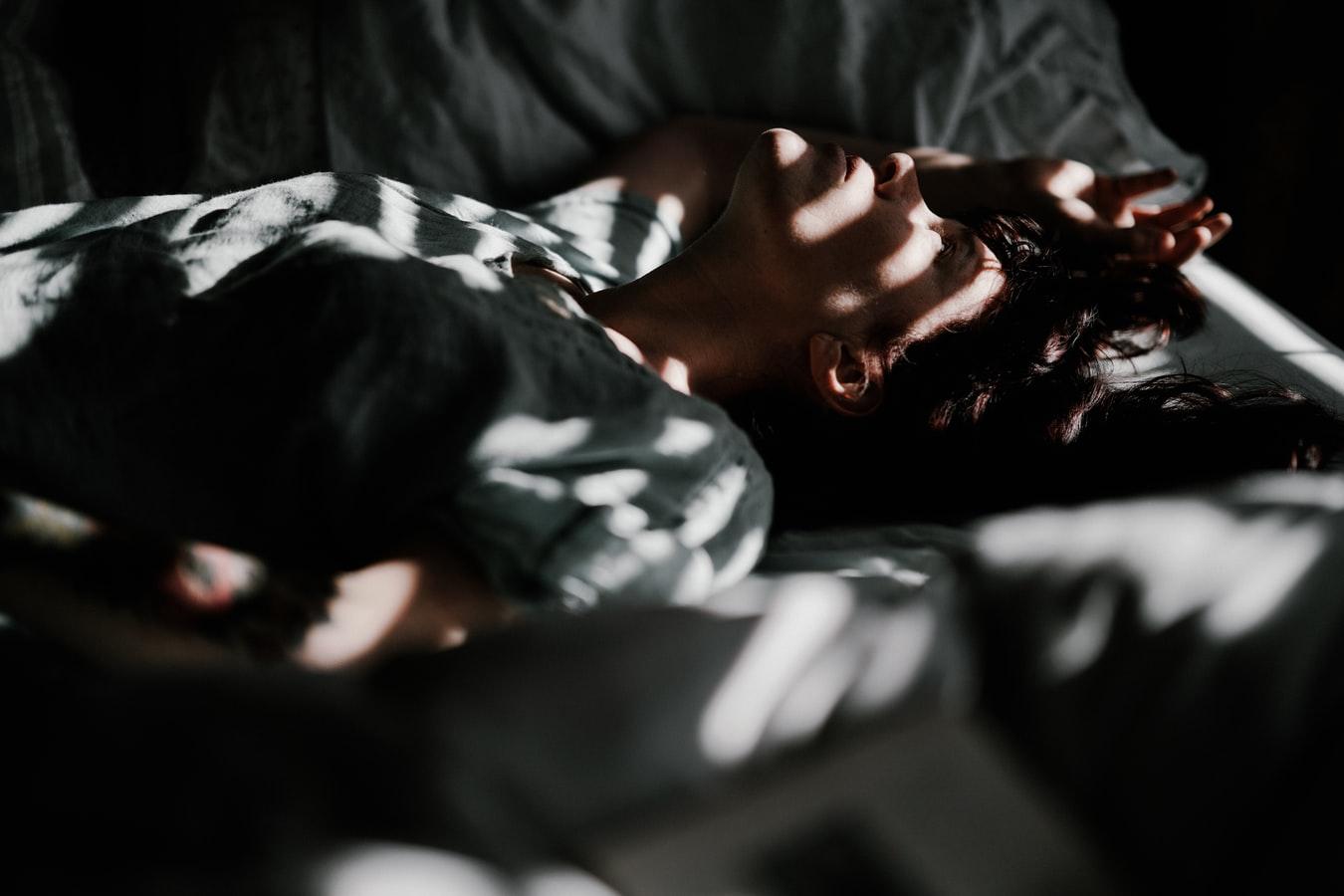 Οι 12 χειρότερες συνήθειες για την ψυχική μας υγεία
