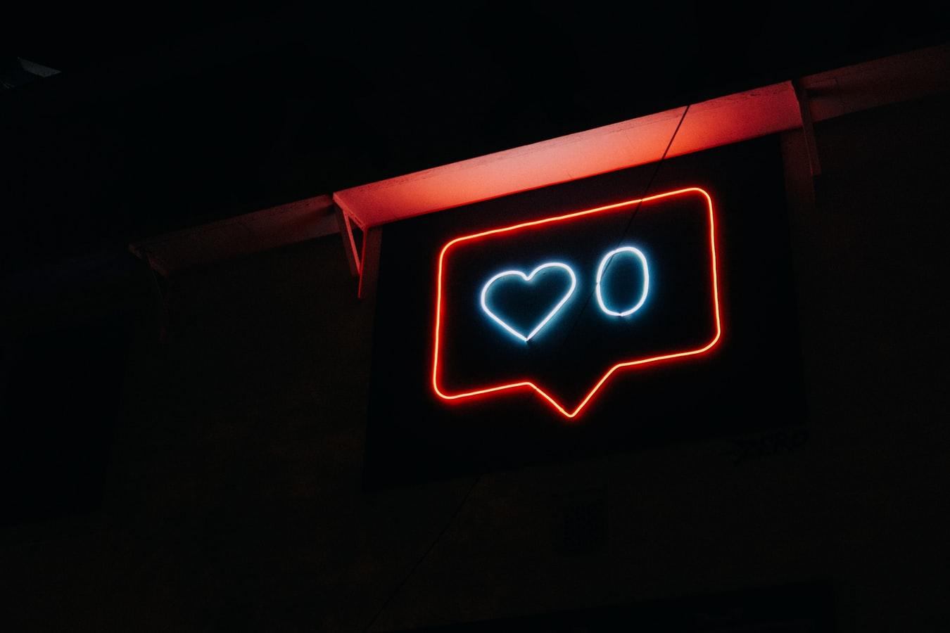Γιατί κάποιοι ανακοινώνουν μέσω social media ότι θα βάλουν τέλος στη ζωή τους;
